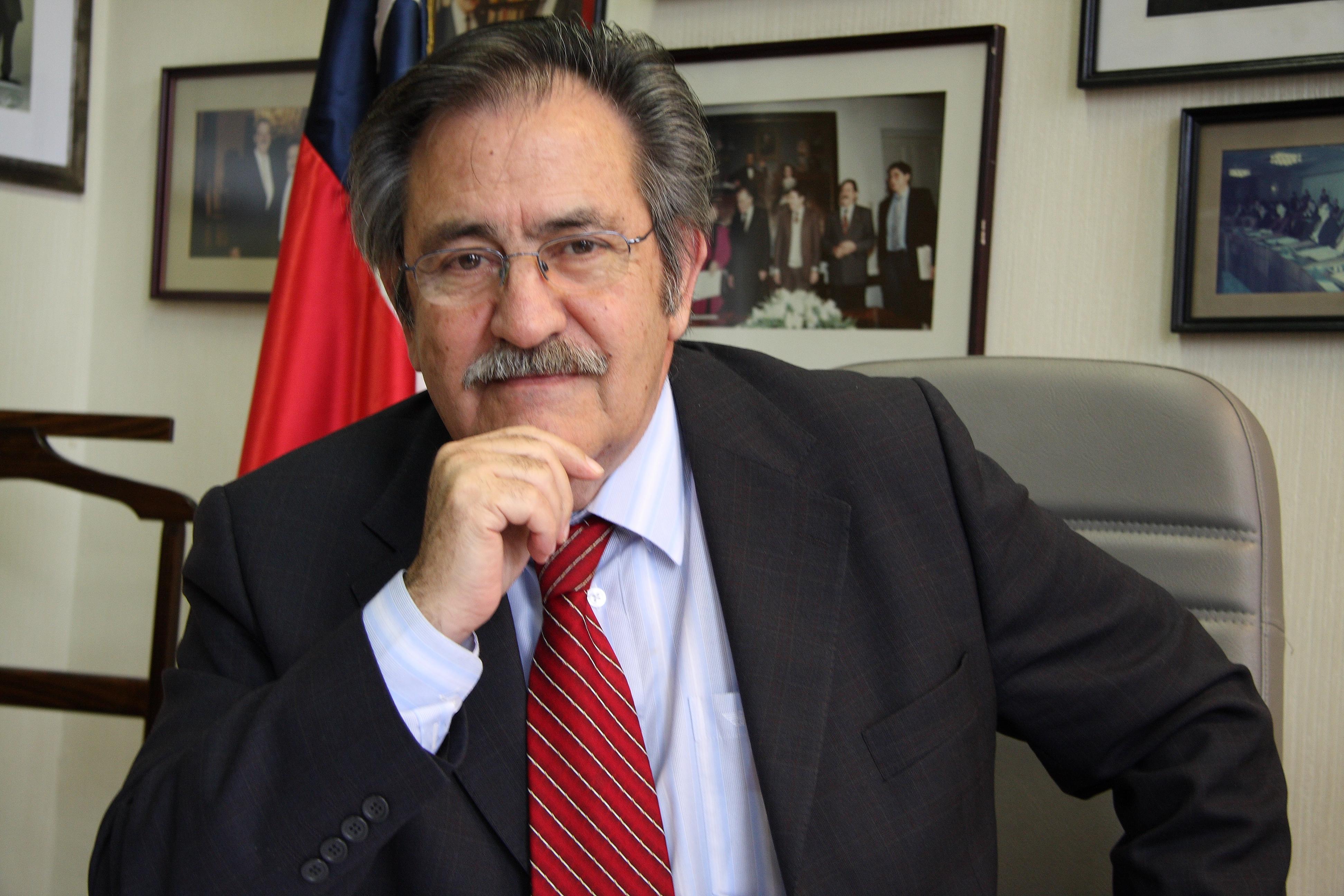 """Ex Senador por Atacama Ricardo Nuñez presenta libro  """"El gran desencuentro"""" en Vallenar"""