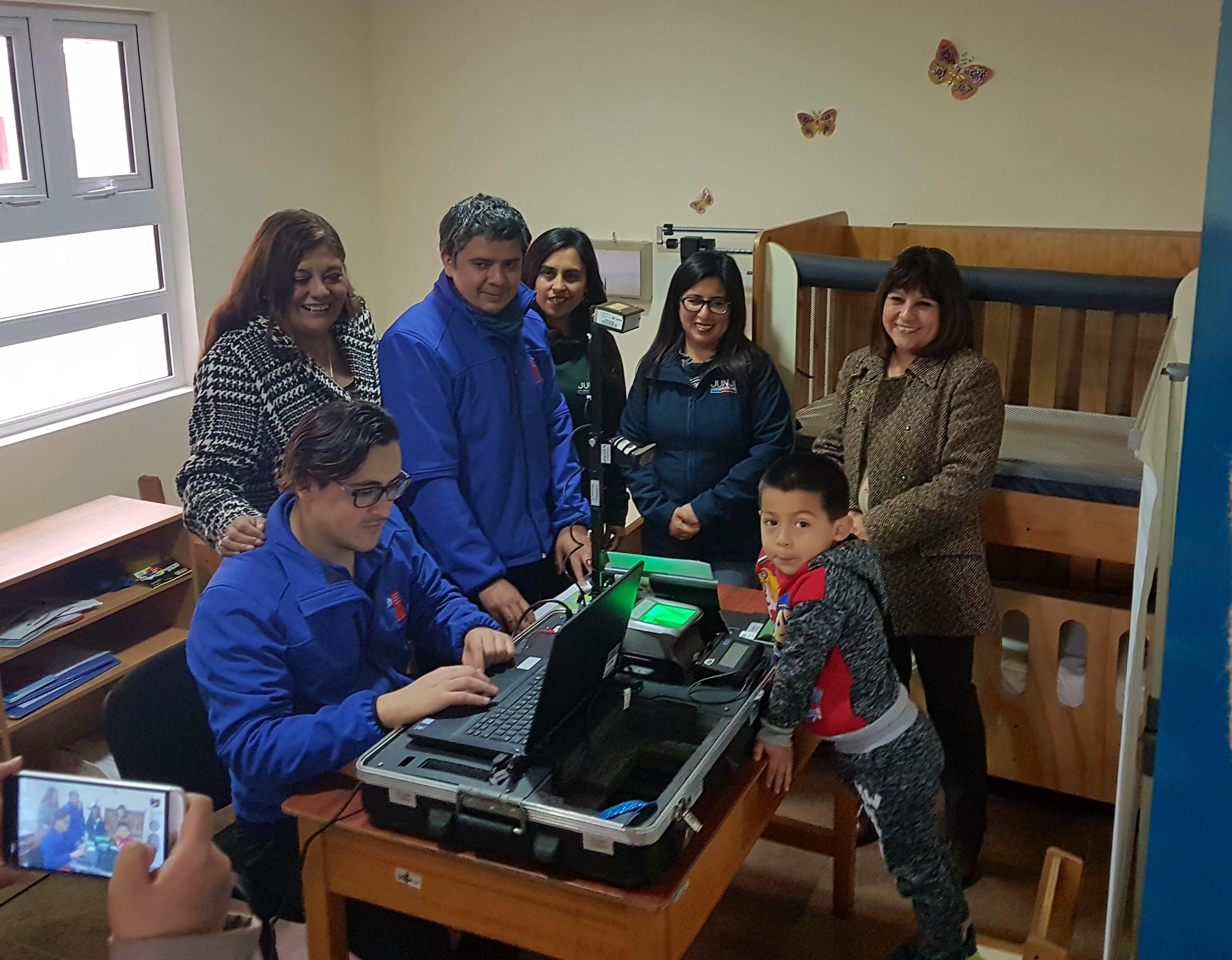 A Carrizal Bajo y Caldera llegó el Civilmóvil para atender gratuitamente a niñas y niños