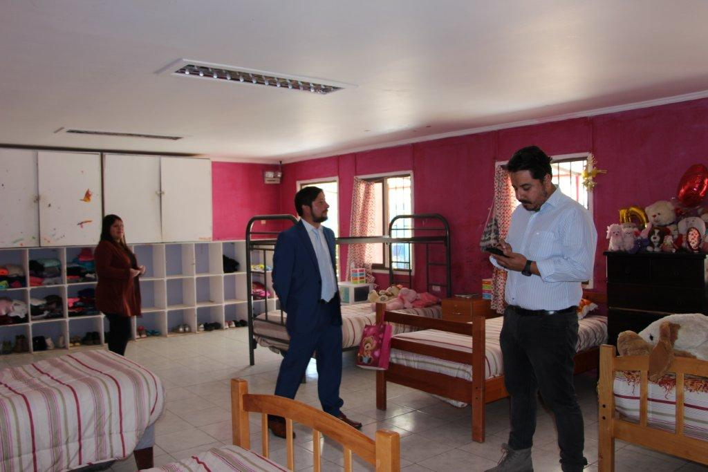 Coordinación público-privada permitirá implementar mejoras en distintos espacios de residencia Alma en Vallenar