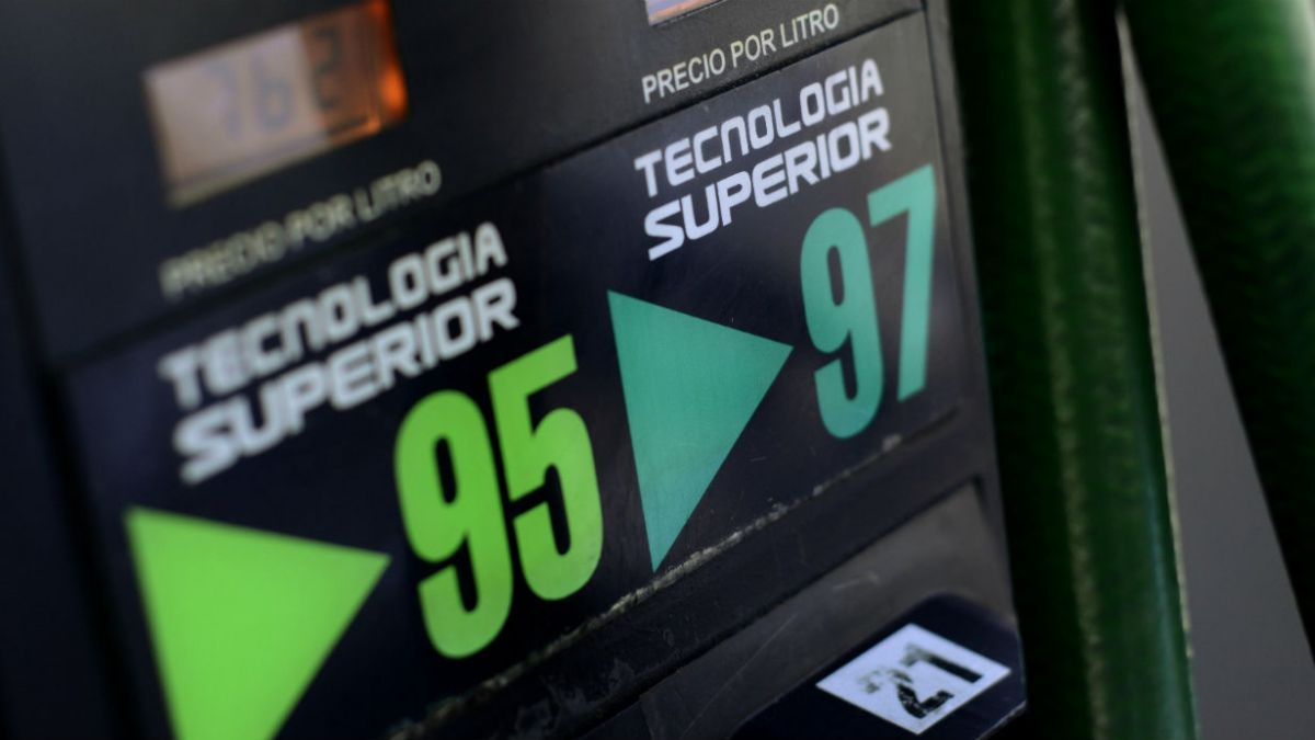 Diputada Cid solicita al ministerio de Hacienda una solución por el alza sostenida del precio de las bencinas