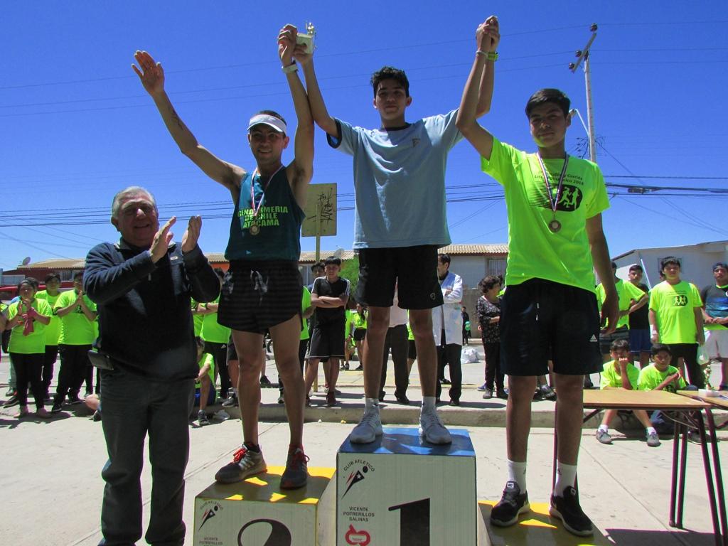Más de 400 participantes llenaron de color las calles de Vallenar corriendo 5, 10 y 21k
