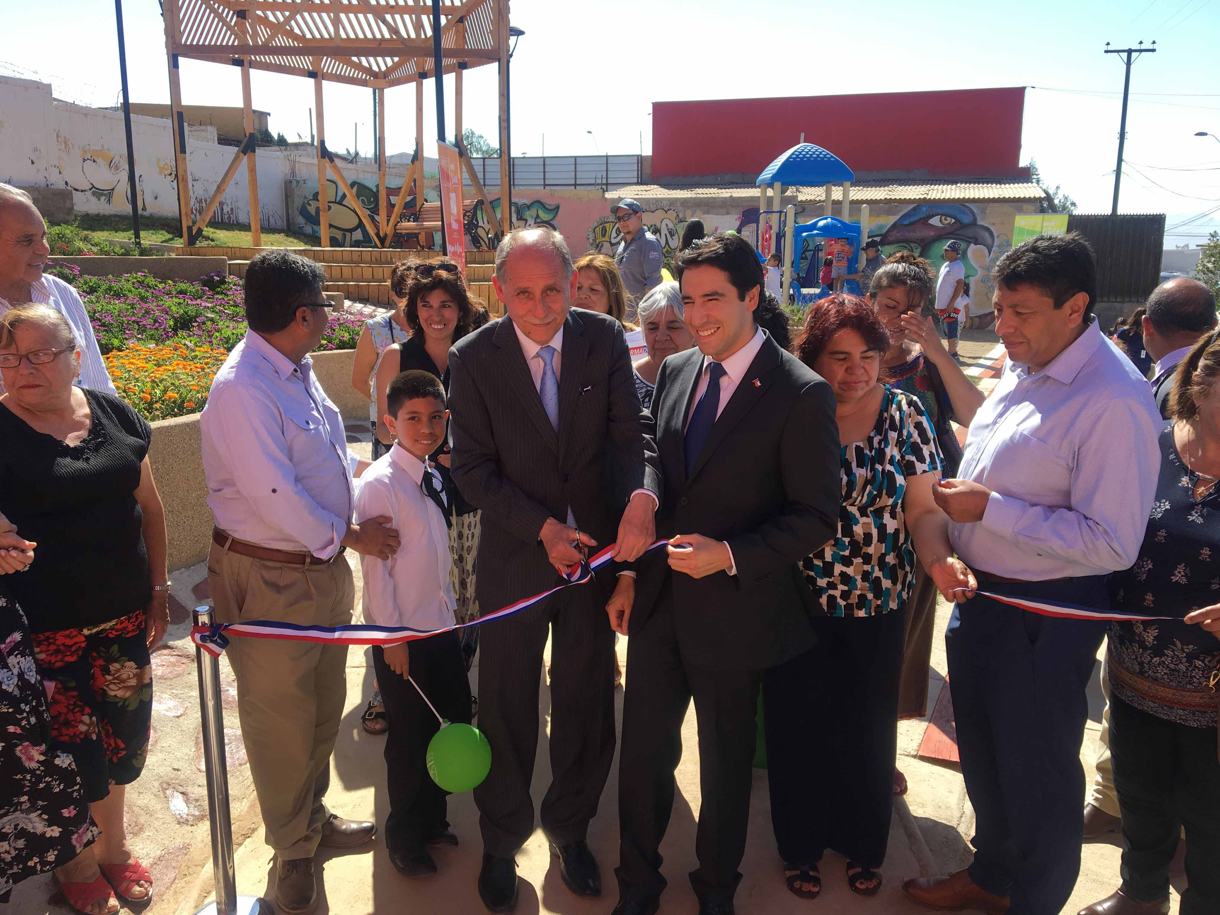 MINVU inaugura plaza Andalucía en Barrio Unión, Castilla y León de Vallenar