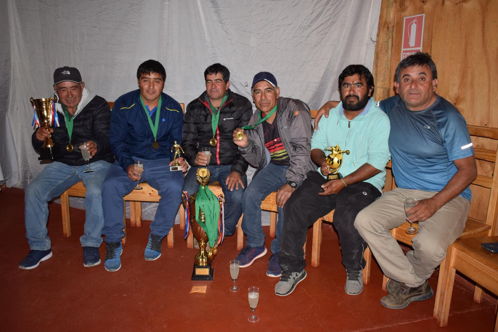 Unión Carrizalillo se llevó la copa del Campeonato de fútbol Domeyko
