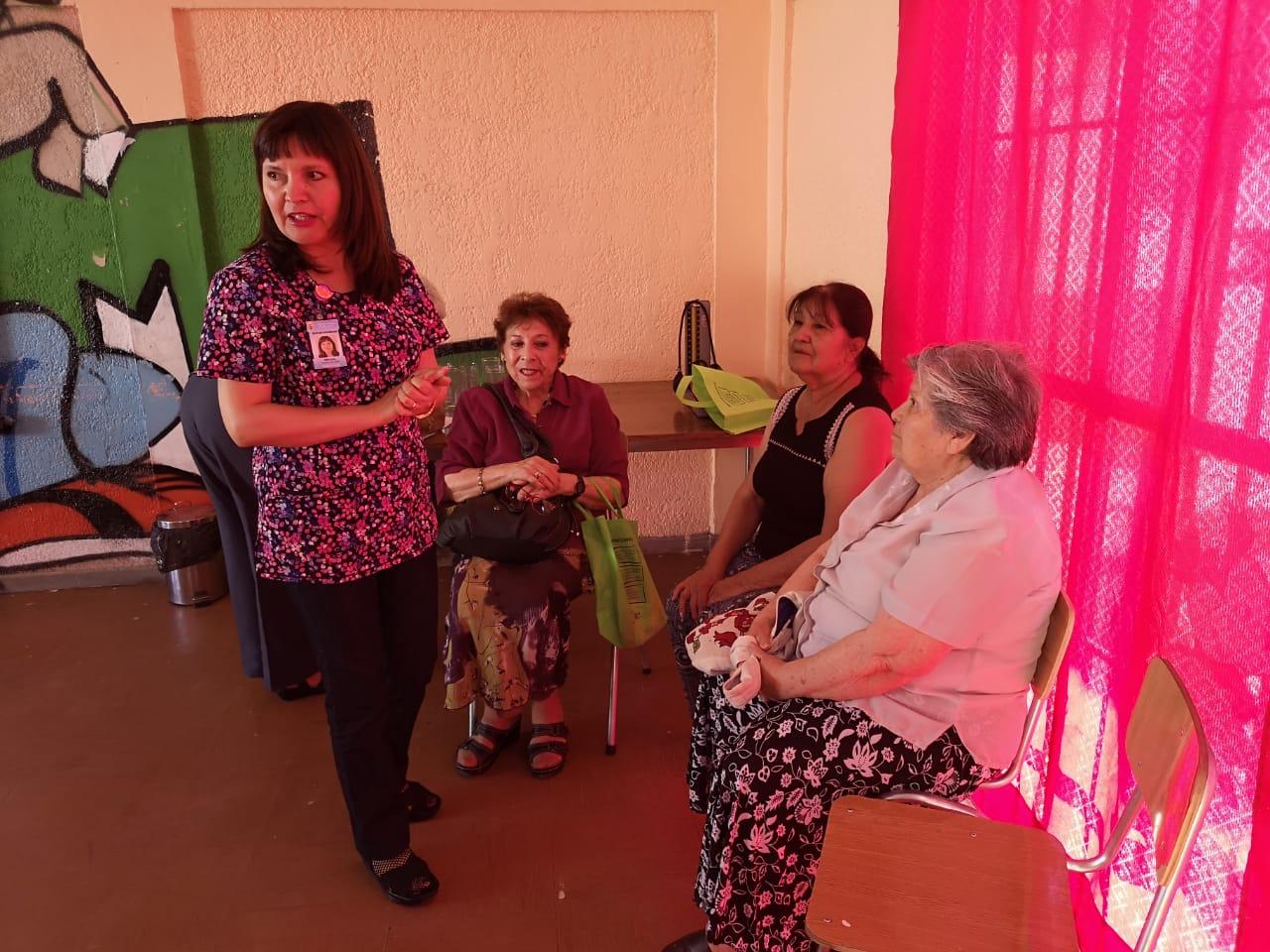 Cesfam Baquedano crea red de apoyo para adultos mayores