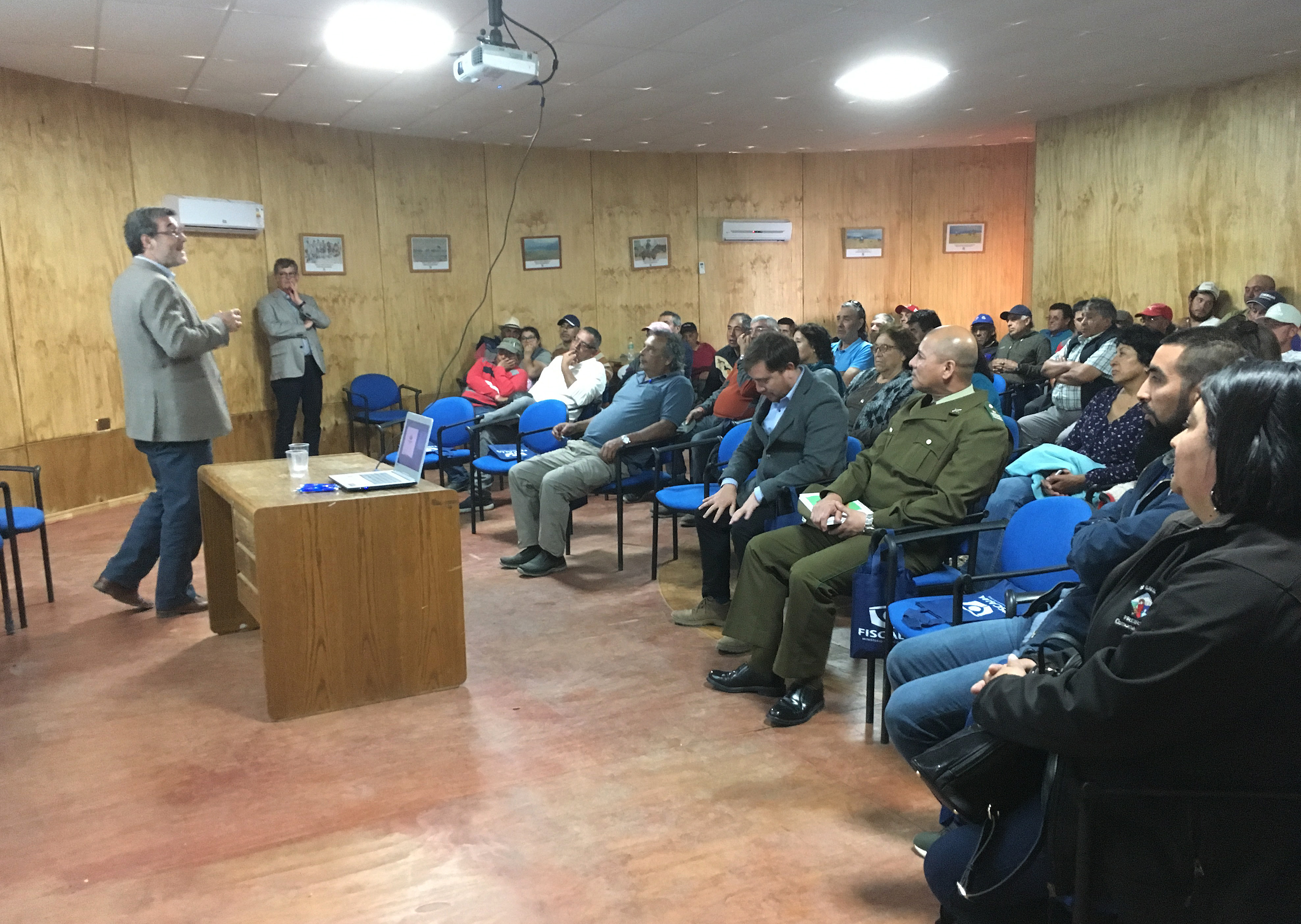 Habitantes de Caleta Chañaral de Aceituno valoraron jornada de diálogo con la Fiscalía