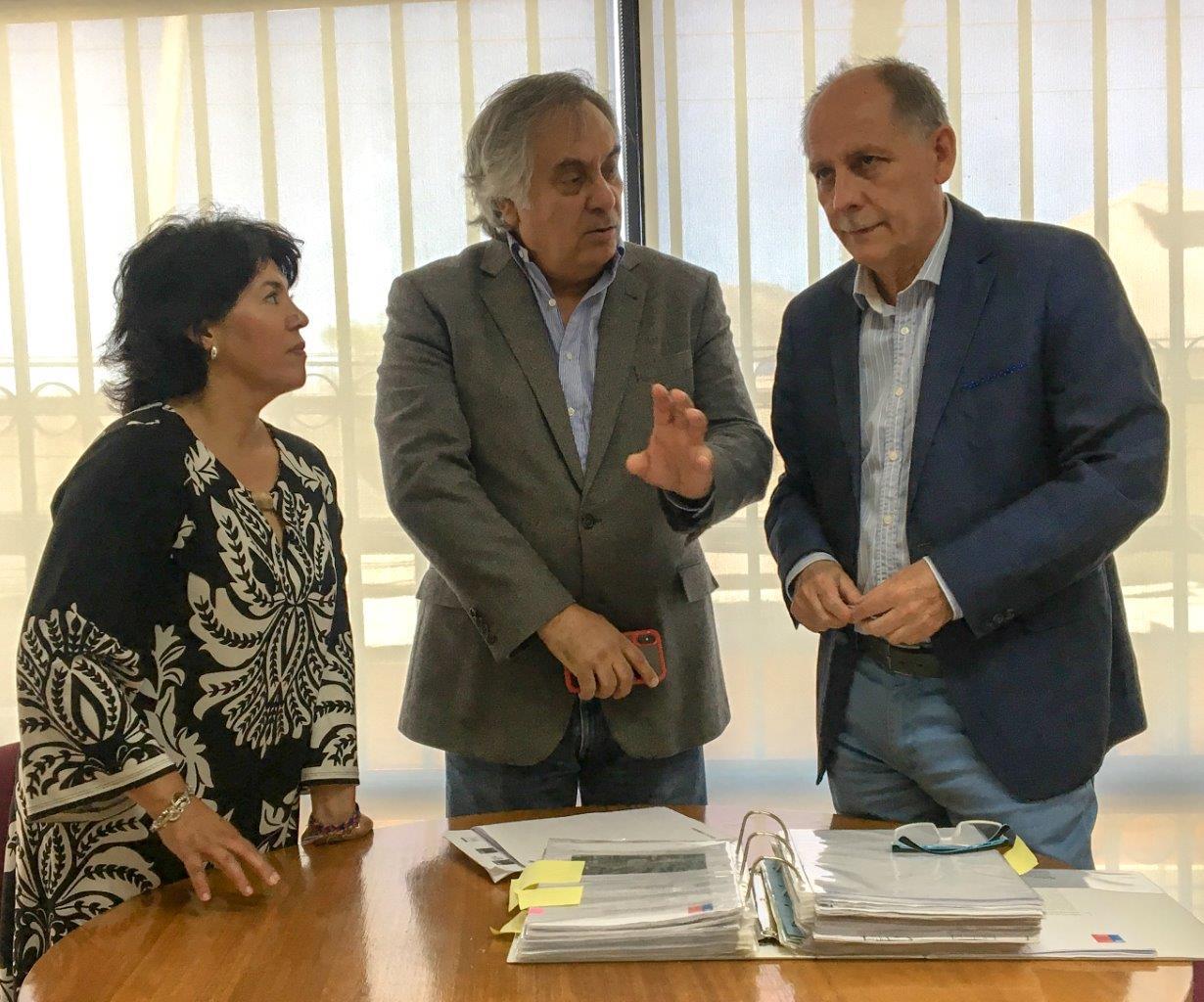 Senadores Prohens y Provoste junto a seremi Minvu revisan cartera de proyectos para Atacama