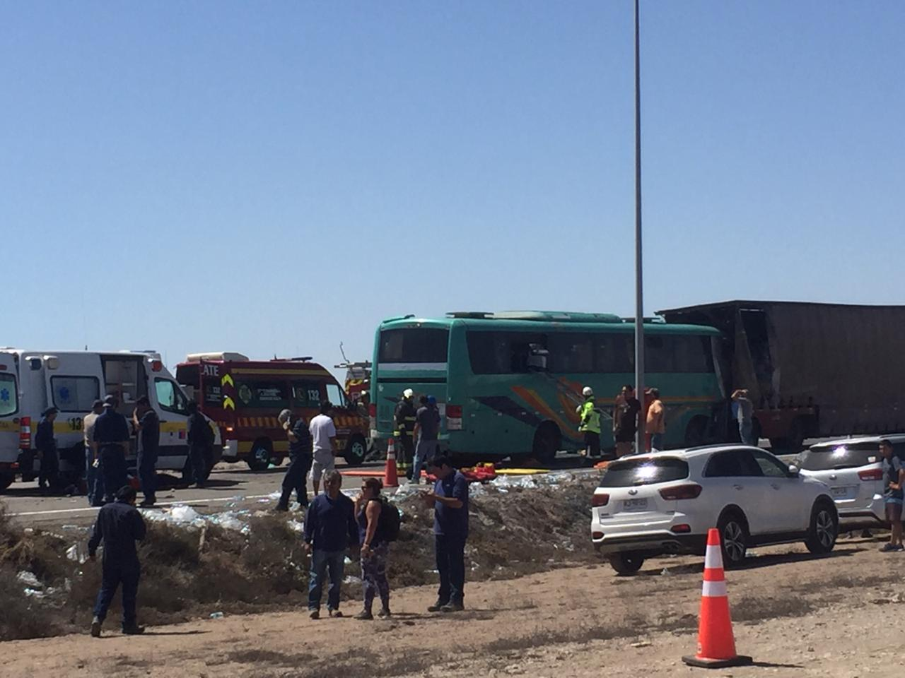 Chófer de bus de transportes de trabajadores falleció en accidente al norte de Vallenar