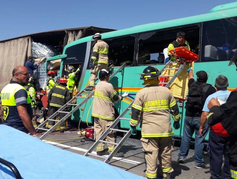 CAP MINERÍA se refiere a accidente que afectó a bus con trabajadores