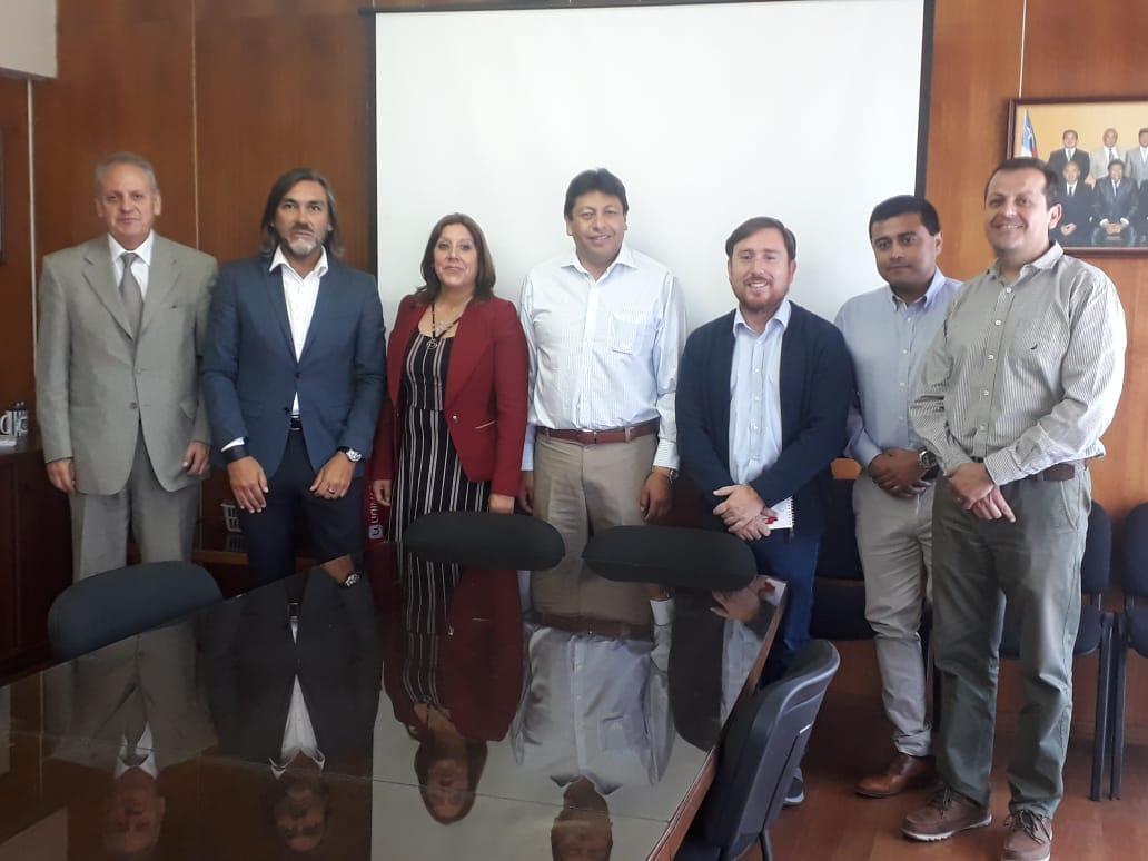 Gremio del SLEP da a conocer problemática a alcaldes del Huasco