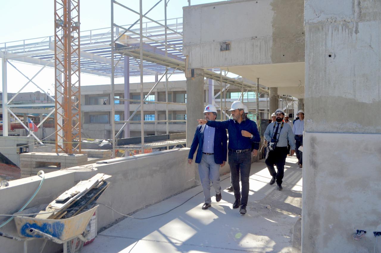 Autoridades constatan 56% de avance en obras de escuela Mireya Zuleta