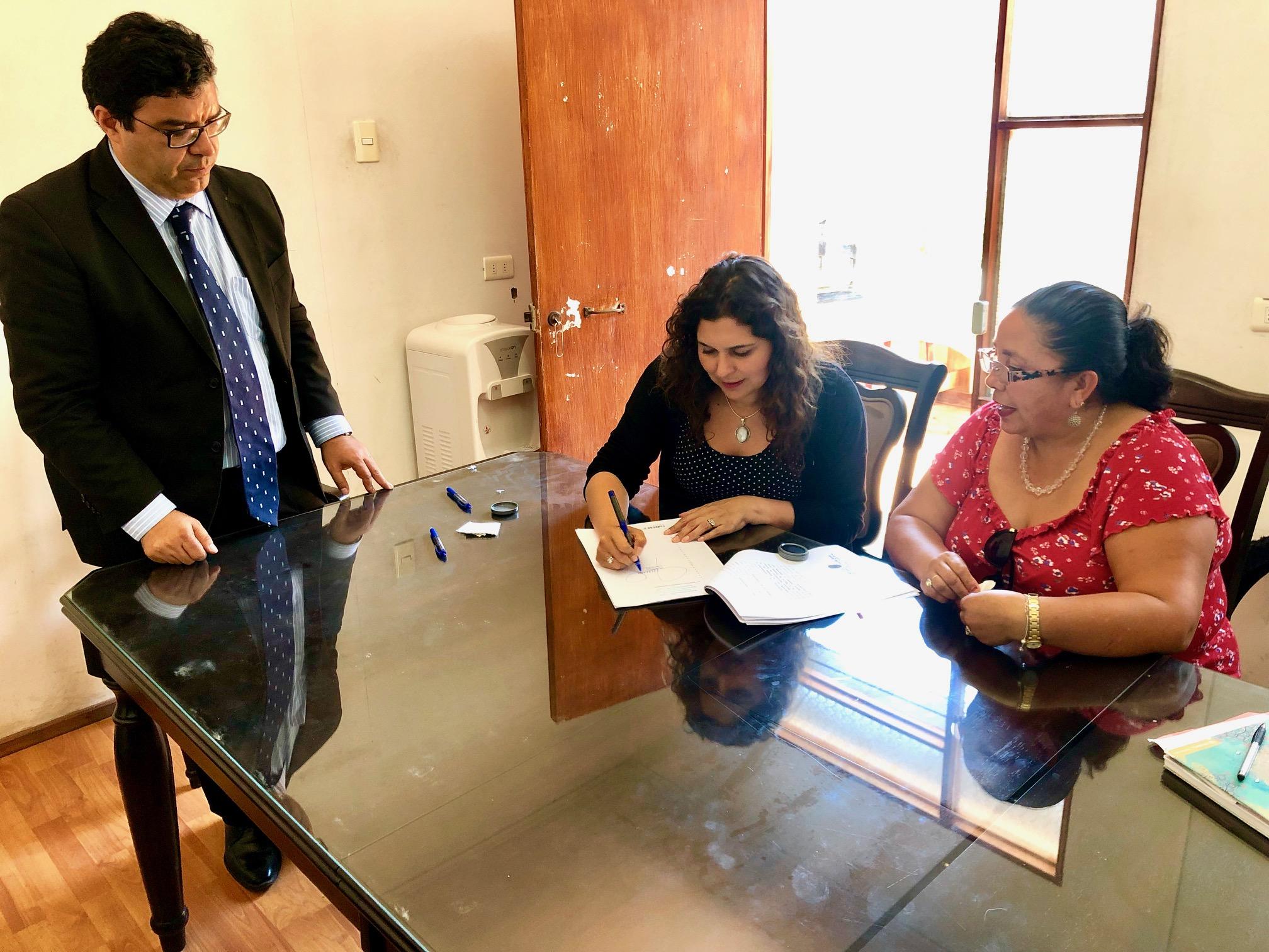 Vecinos de Hacienda Compañía y Cuatro Palomas accederán a agua potable gracias a servidumbre