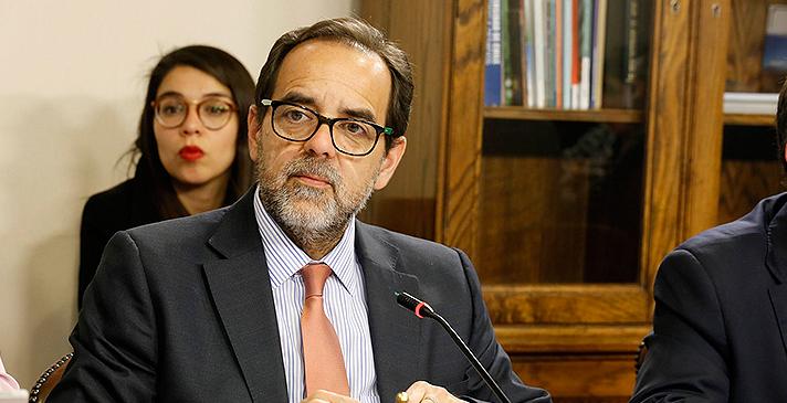 Mulet llamó a Regionalistas a estar alerta ante arremetida de la derecha para postergar elección de gobernadores