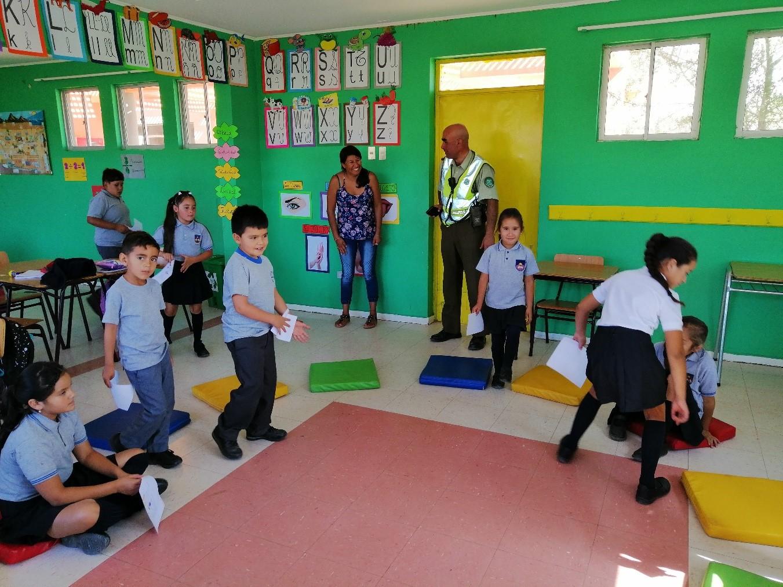 En Domeyko carabineros inició ciclo de visitas y reuniones con alumnos