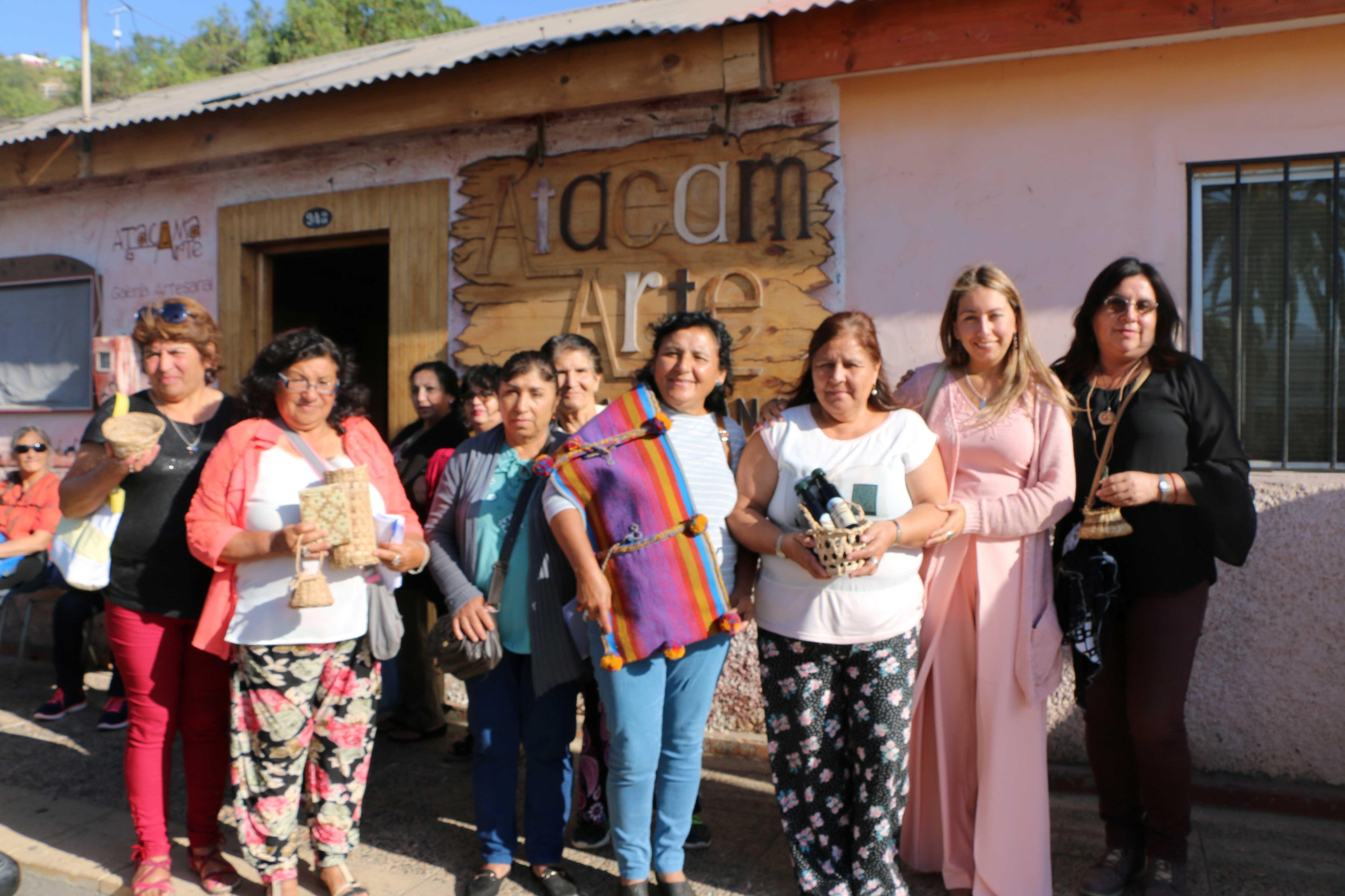 Un centenar de artesanas se reunieron en Freirina para compartir experiencias