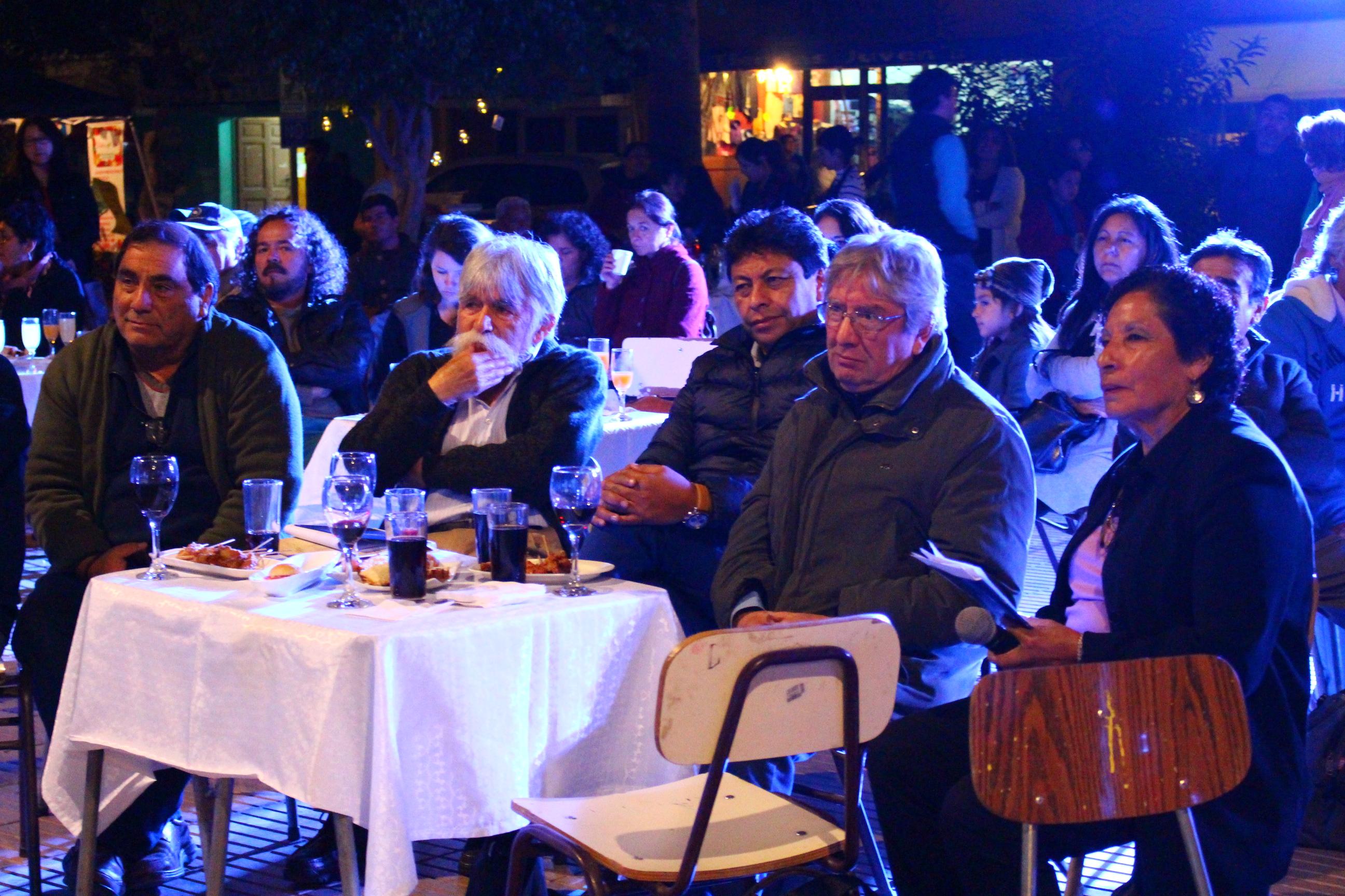 Municipio de Vallenar destaca obra y trayectoria de Jorge Zambra en el Día del Libro