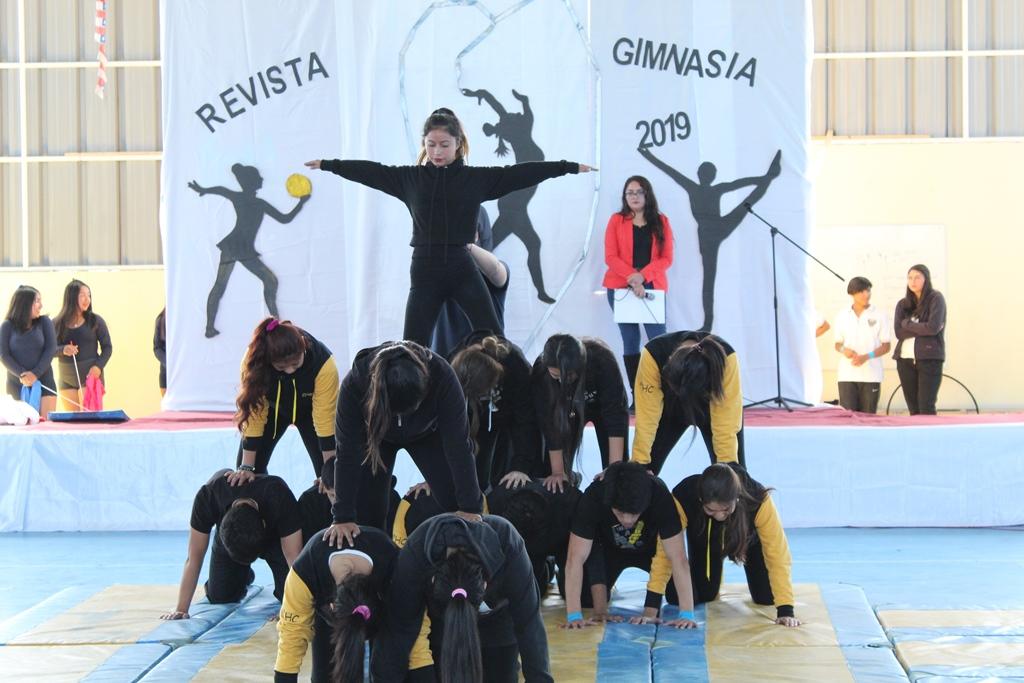 Liceo Ramón Freire Serrano recupera tradicional Revista de Gimnasia en Freirina