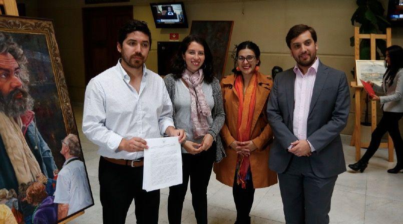 Diputados de oposición presentaron proyecto de ley que crea estatuto laboral para empaquetadores
