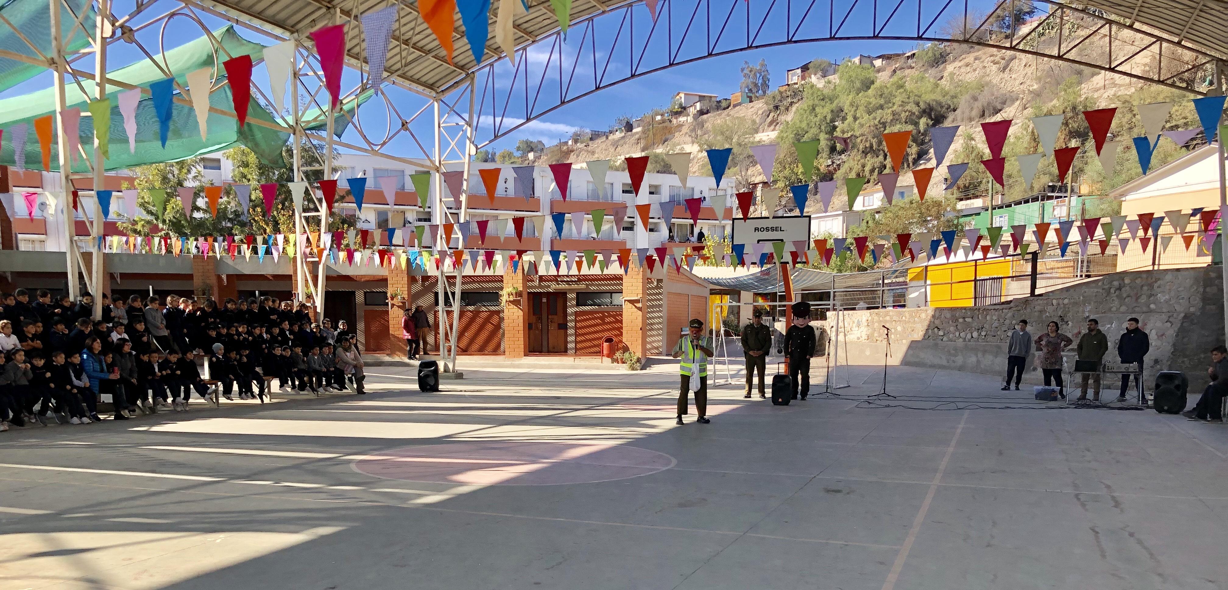 Carabineros MICC continúan con jornadas preventivas en colegios de Vallenar