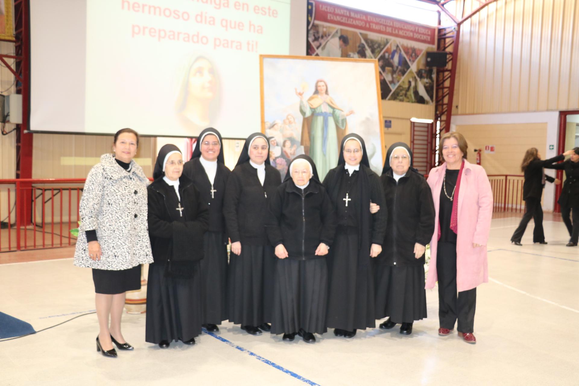 Autoridades de Gobierno destacan contribución de Liceo Santa Marta en el desarrollo educacional de la provincia