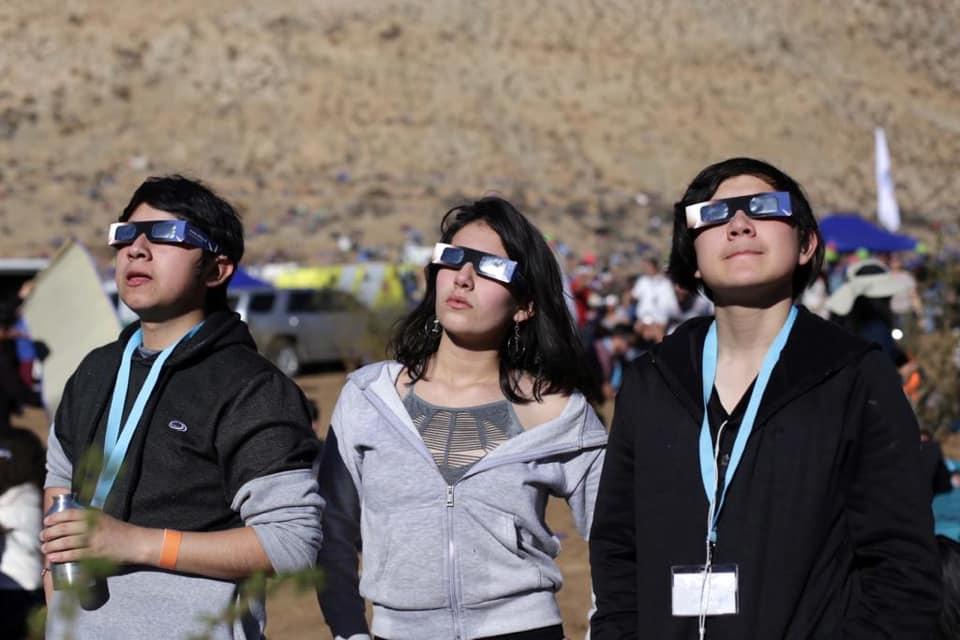 Niños y Niñas de Cecrea Vallenar disfrutaron  del Eclipse junto a la Ministra de las Culturas