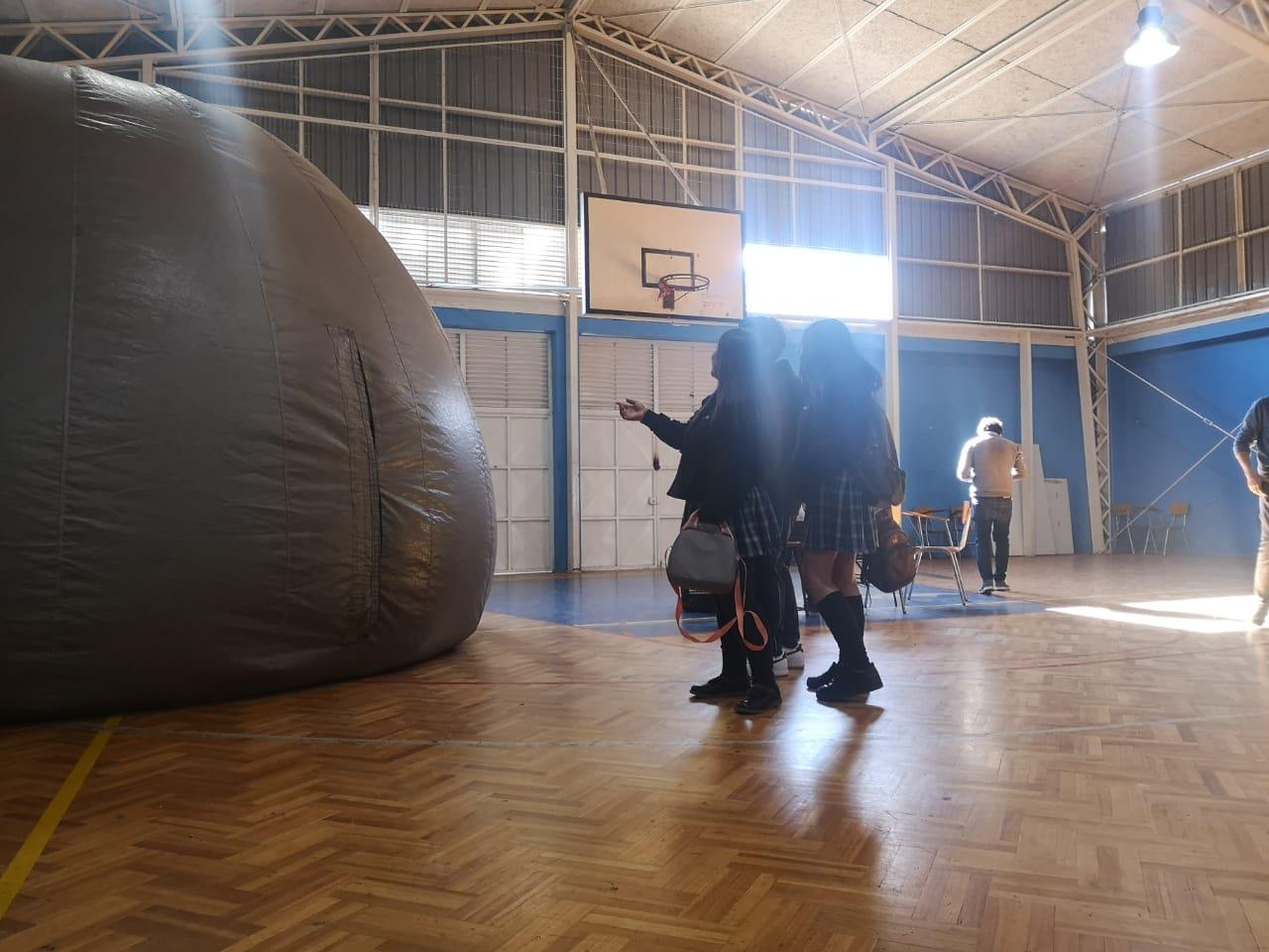 Estudiantes de Vallenar visitaron Planetario Móvil
