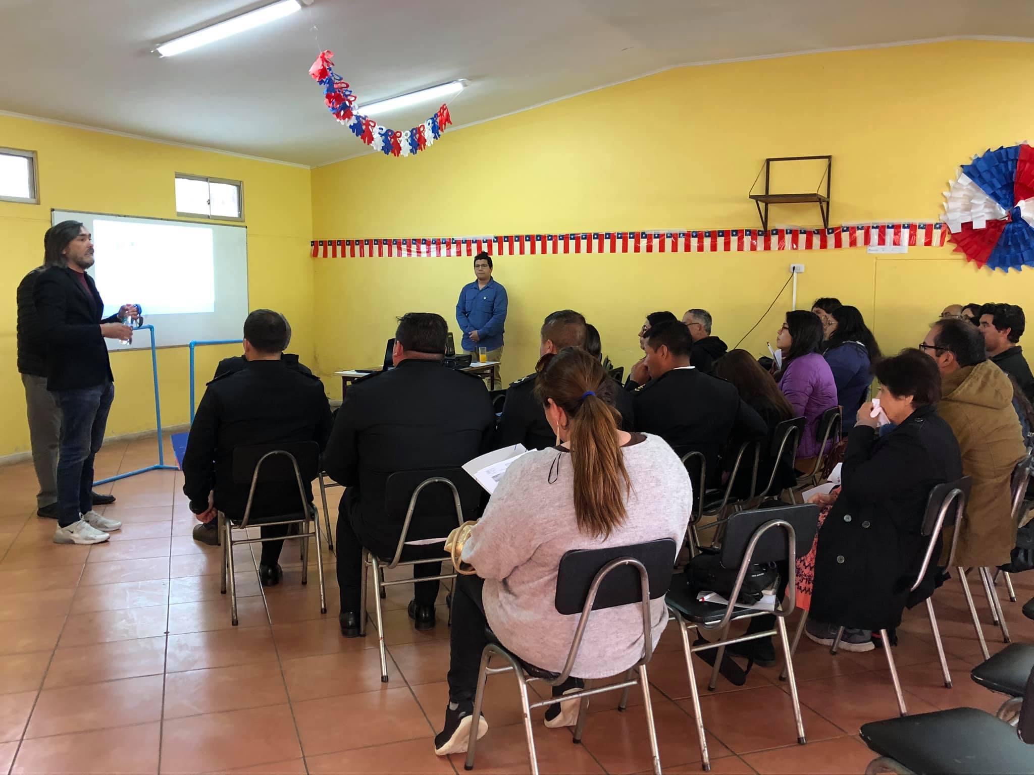 Alcalde de Huasco valora aporte de vecinos en conformación de mesa social