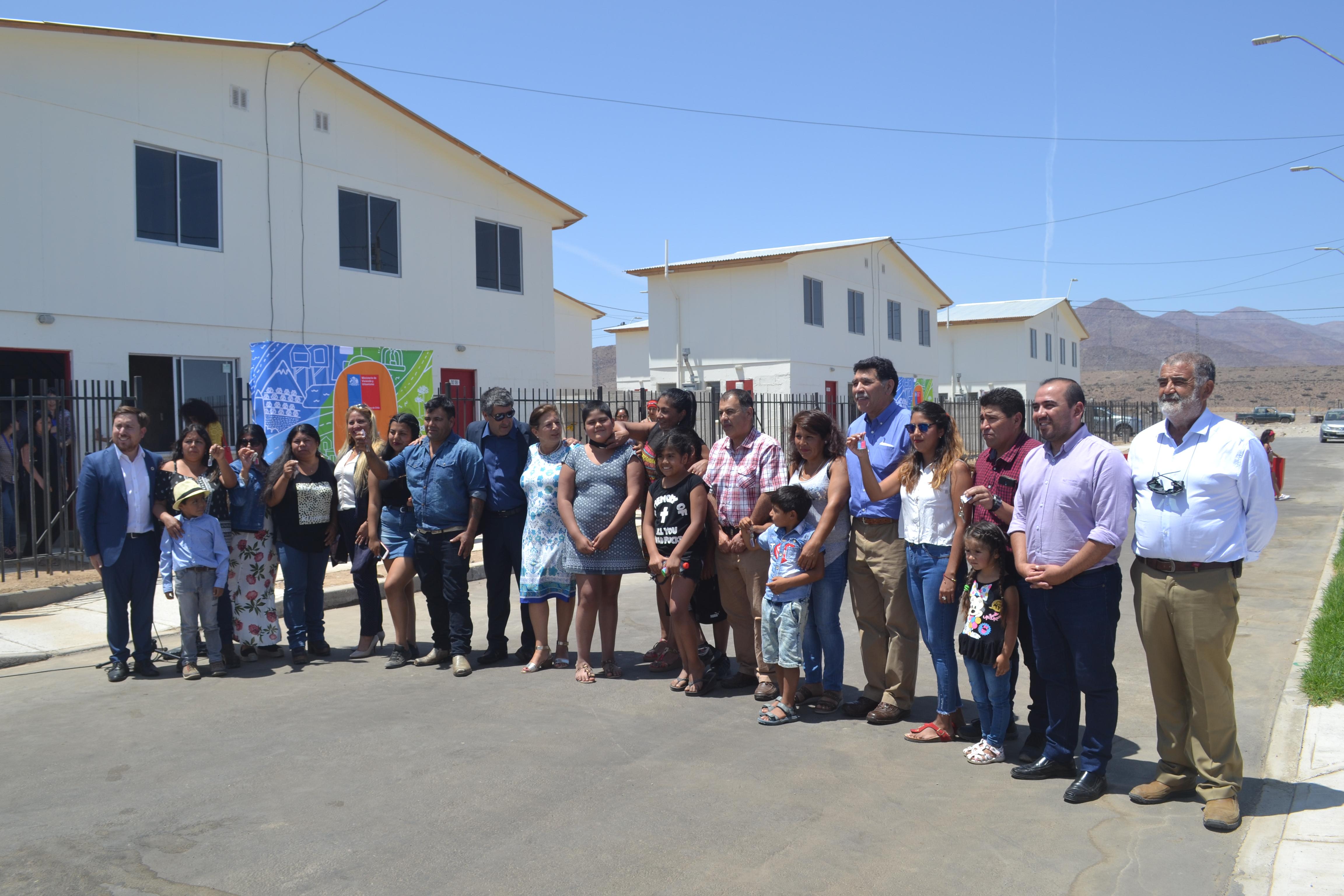 47 familias de Freirina reciben su casa propia
