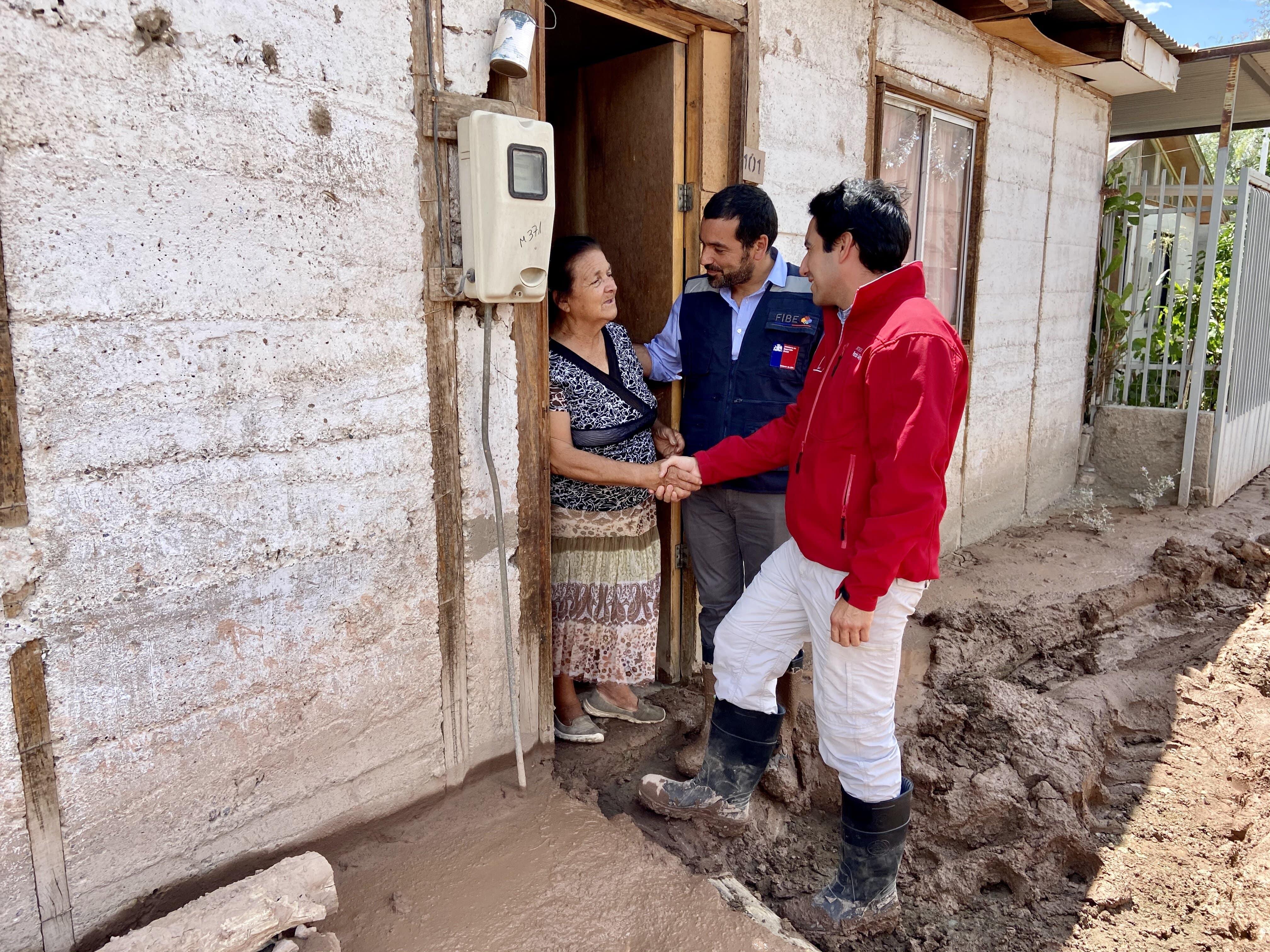 Gobierno se despliega en terreno para aplicar la Ficha Básica de Emergencia a los afectados por aluvión en la región de Atacama