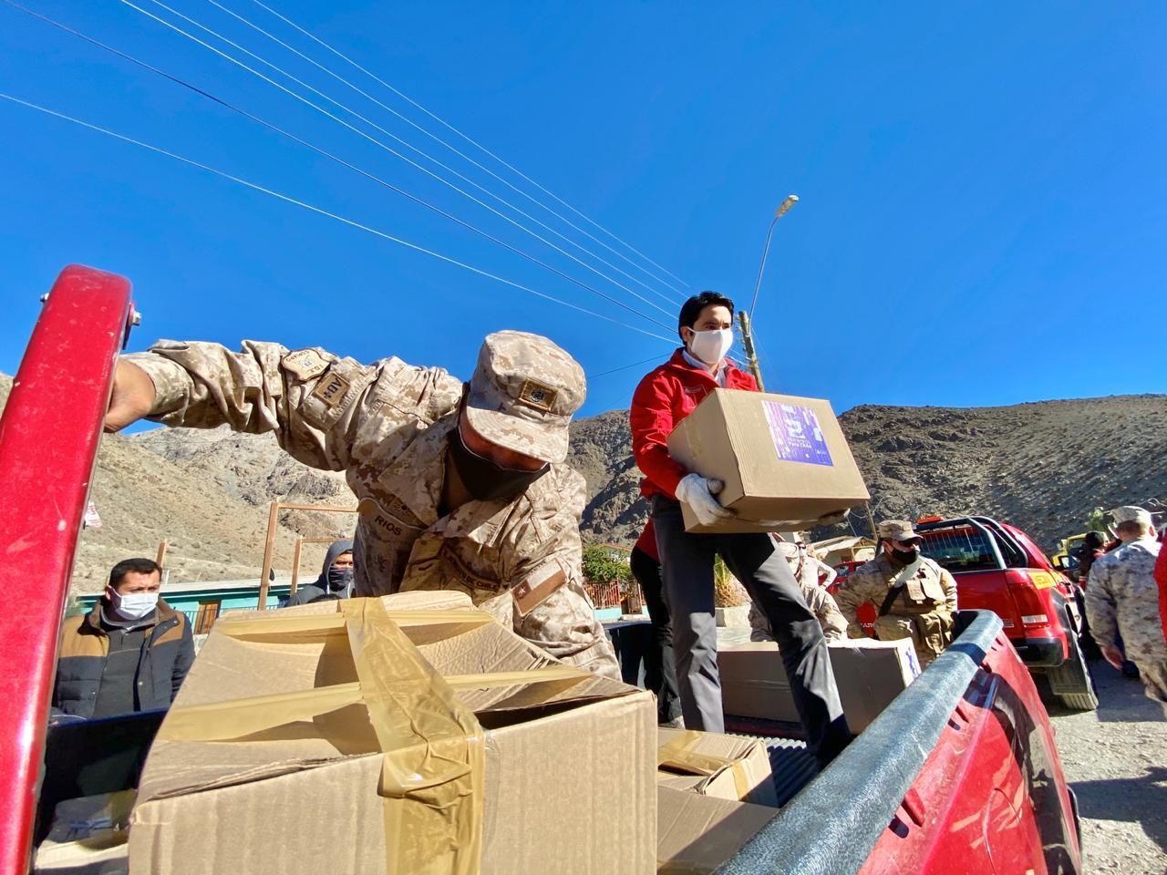 """Como """"show mediático"""" califican entrega de caja de alimentos en Alto del Carmen"""