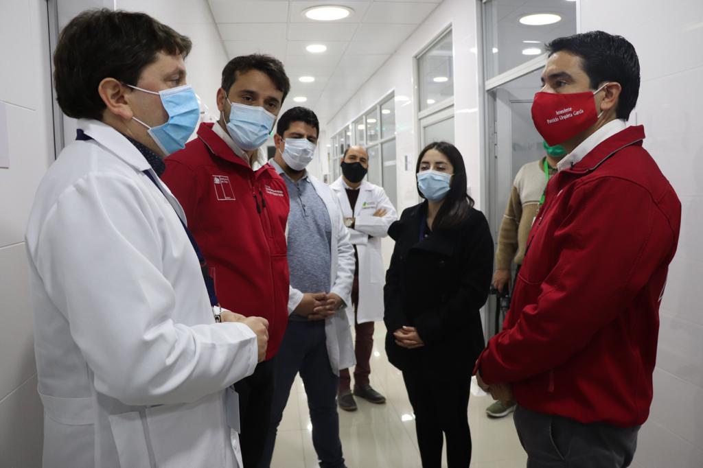 Dos salas de extracción equipadas y un moderno equipo de muestreo automatizado fueron entregados al Laboratorio de Biología Molecular