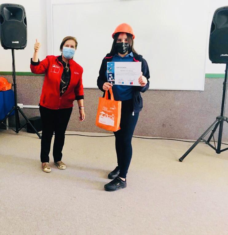 Certifican a Jóvenes Voluntarios en Emergencia en Liceo Bicentenario de Alto del Carmen