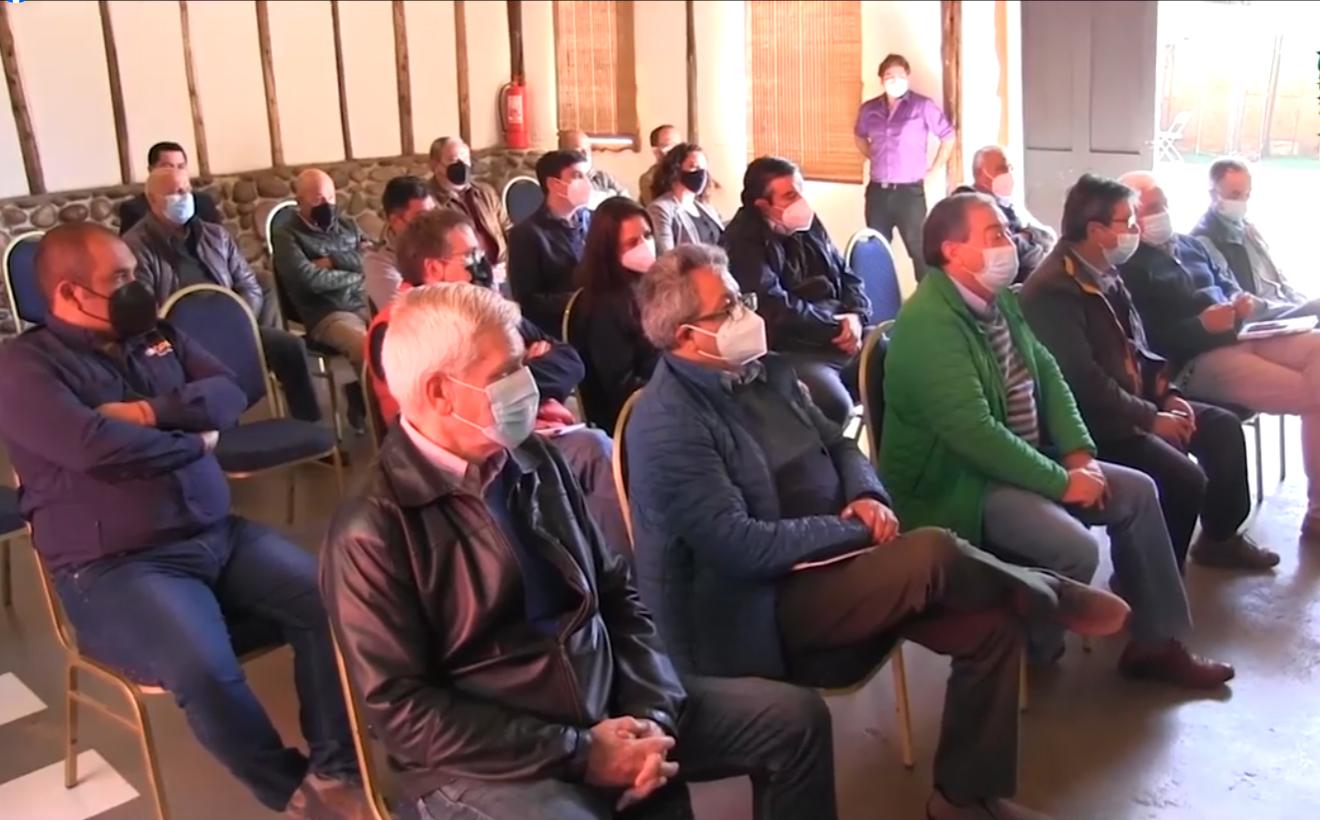 Municipio de Vallenar realiza foro empresarial donde buscan analizar desafíos para e desarrollo comunal
