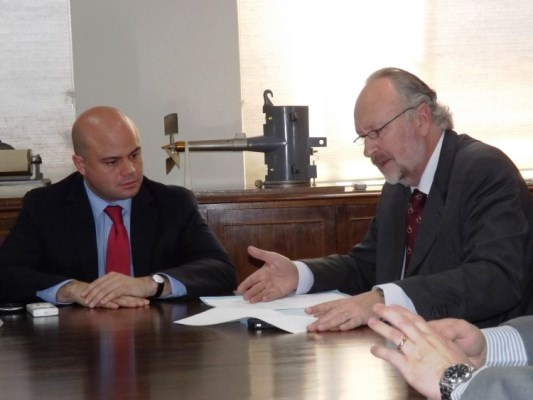 Diversas opiniones ante nombre de ministro Prokurica como posible candidato a constituyente