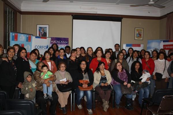 Cerca de 100 mujeres de la provincia de Huasco participan en talleres que impulsan el emprendimiento