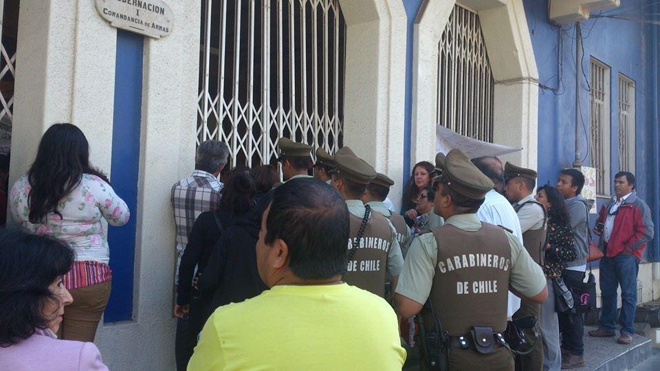 Vecinos de Comité Nueva Castilla de Vallenar se toman dependencias de Gobernación Provincial