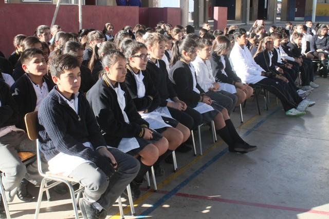 """Liceo Bicentenario Vallenar invita a sus estudiantes a participar en actividades para finalizar el """"Mes del Libro y la Lectura"""""""