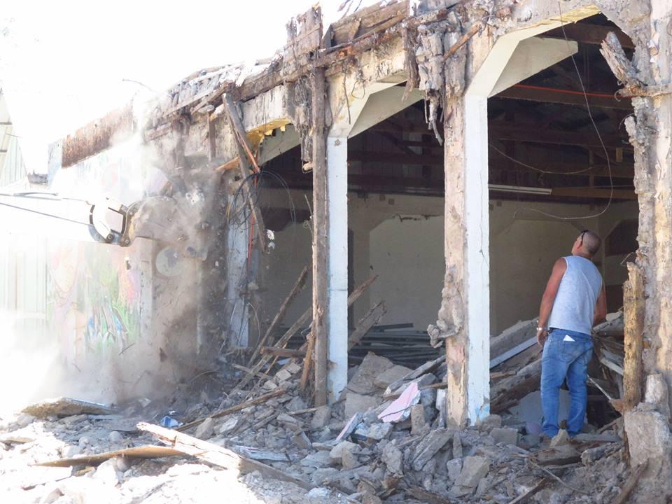 Demuelen por peligro de derrumbe ex Cooperativa Ferroviaria de Vallenar