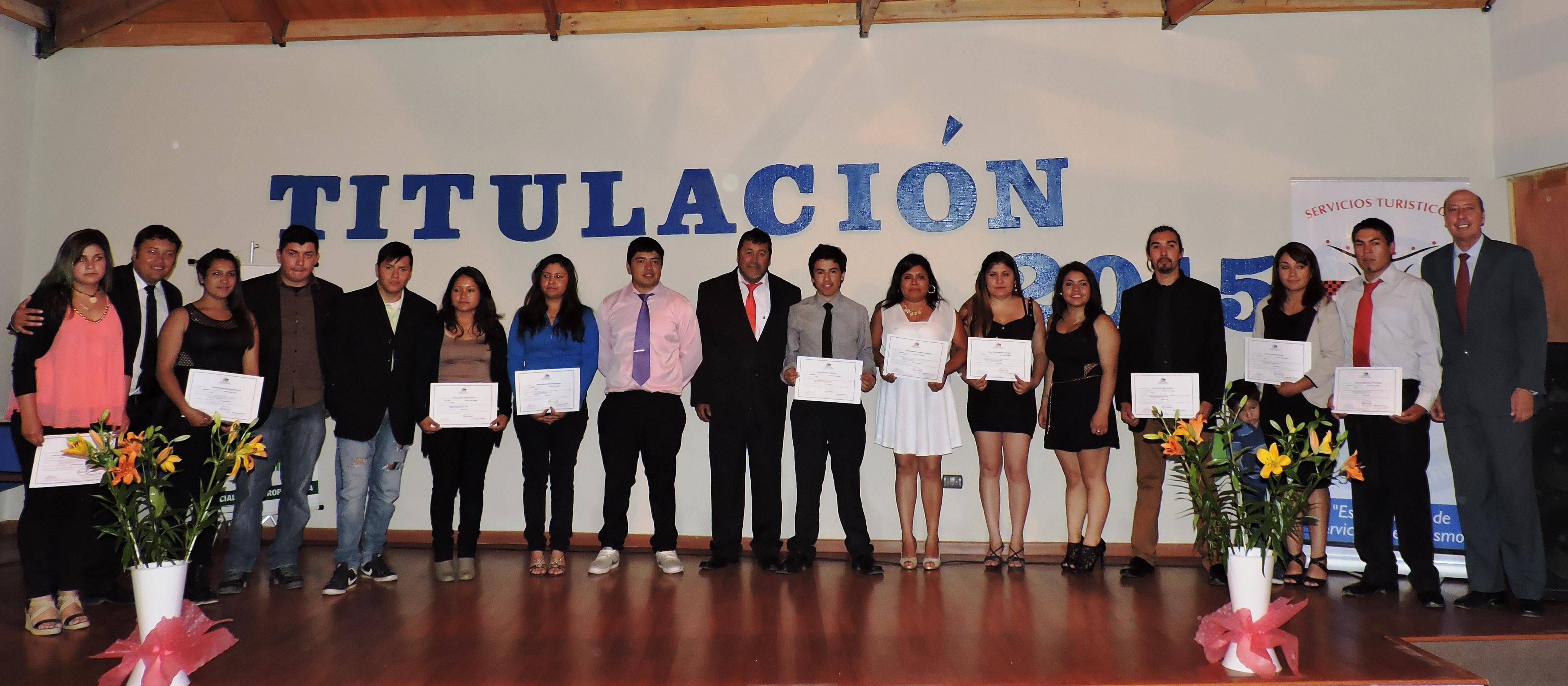 Alumnos de Liceo de Alto del Carmen se licencian y titulan