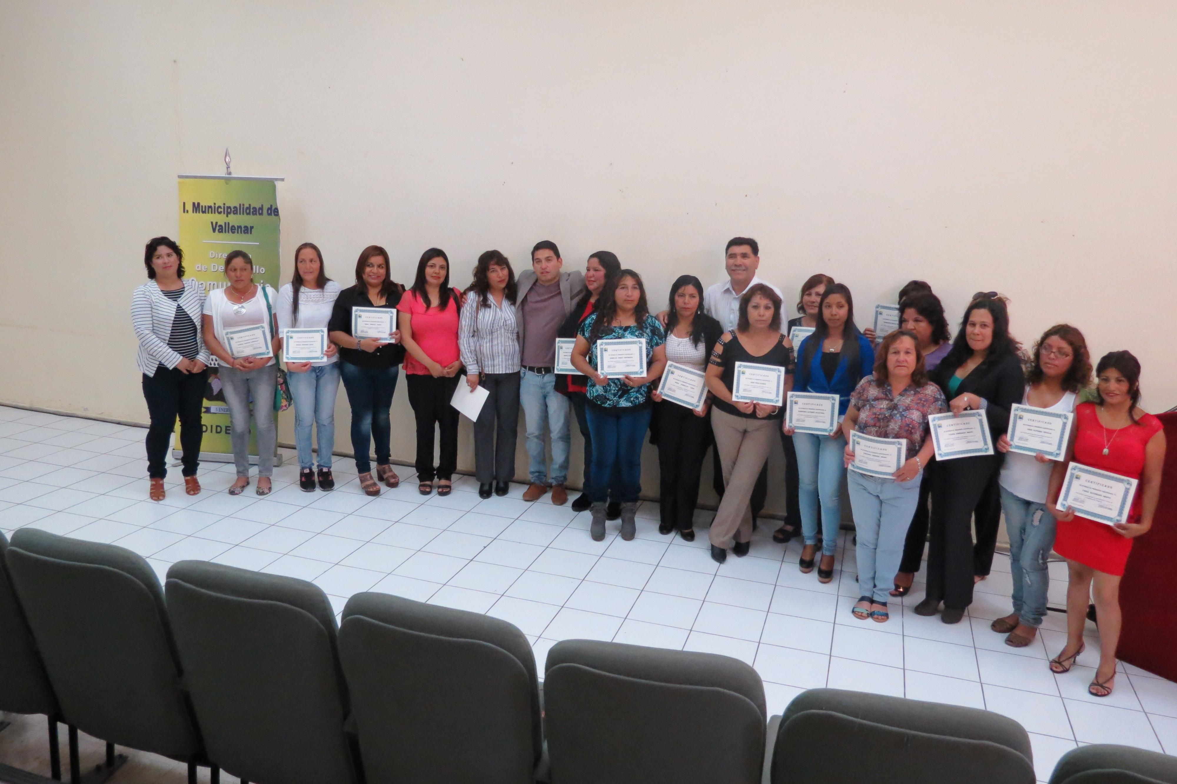 32 mujeres certificadas en Taller de Alfabetización Digital 2015