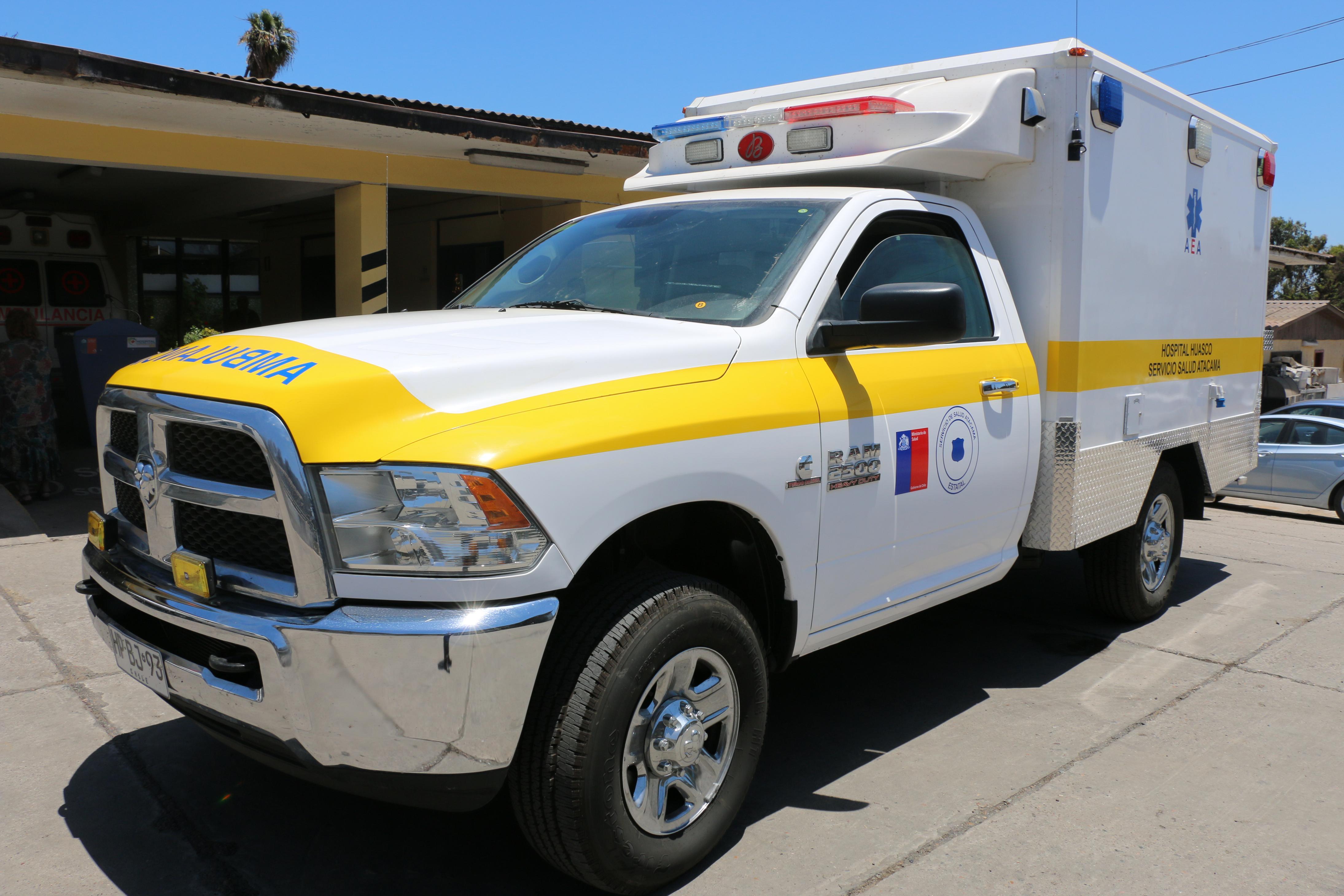 Entregan moderna ambulancia para Hospital de Huasco