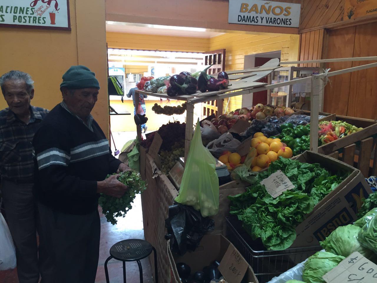 Vendedores ambulantes vuelven al mercado municipal