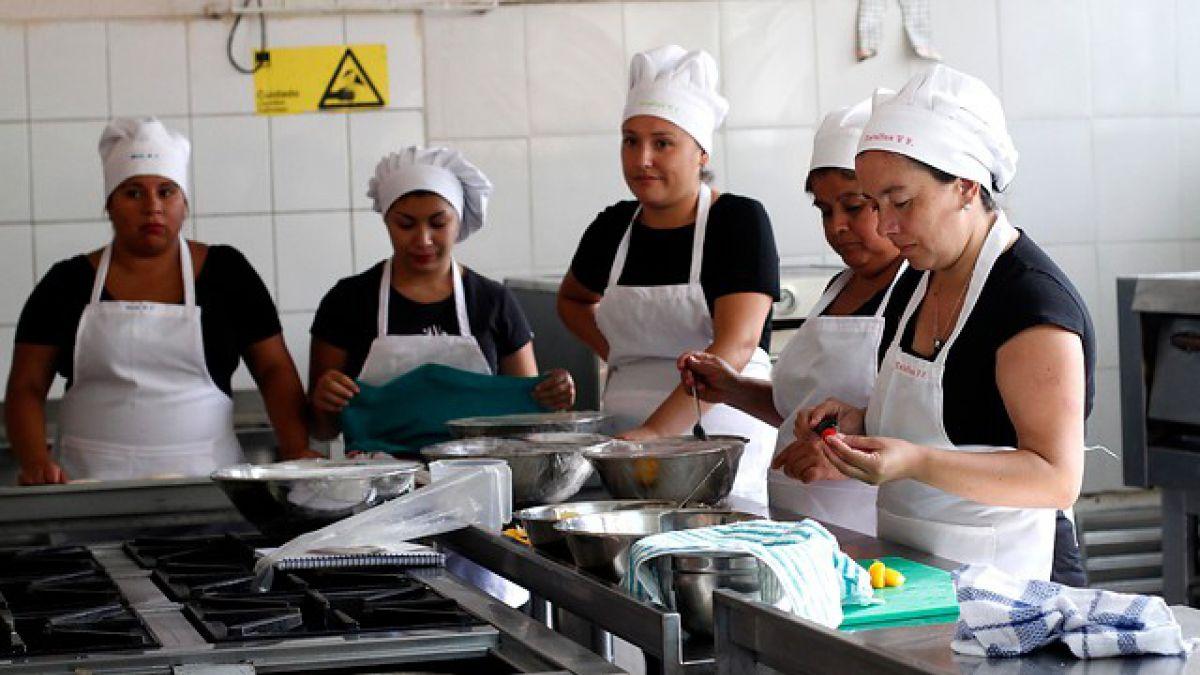 Llaman a jóvenes y mujeres a inscribirse en cursos +Capaz en Vallenar