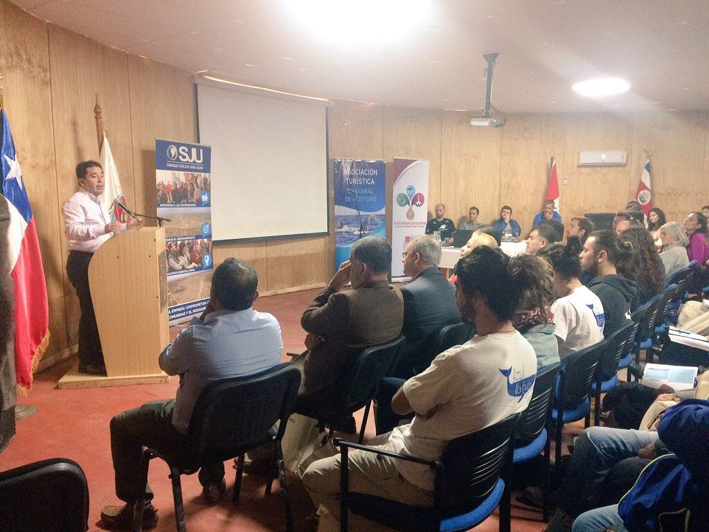 II Seminario Internacional en Turismo Comunitario Sustentable marca puntapié inicial en temporada de avistamiento de cetáceos en Chañaral de Aceituno