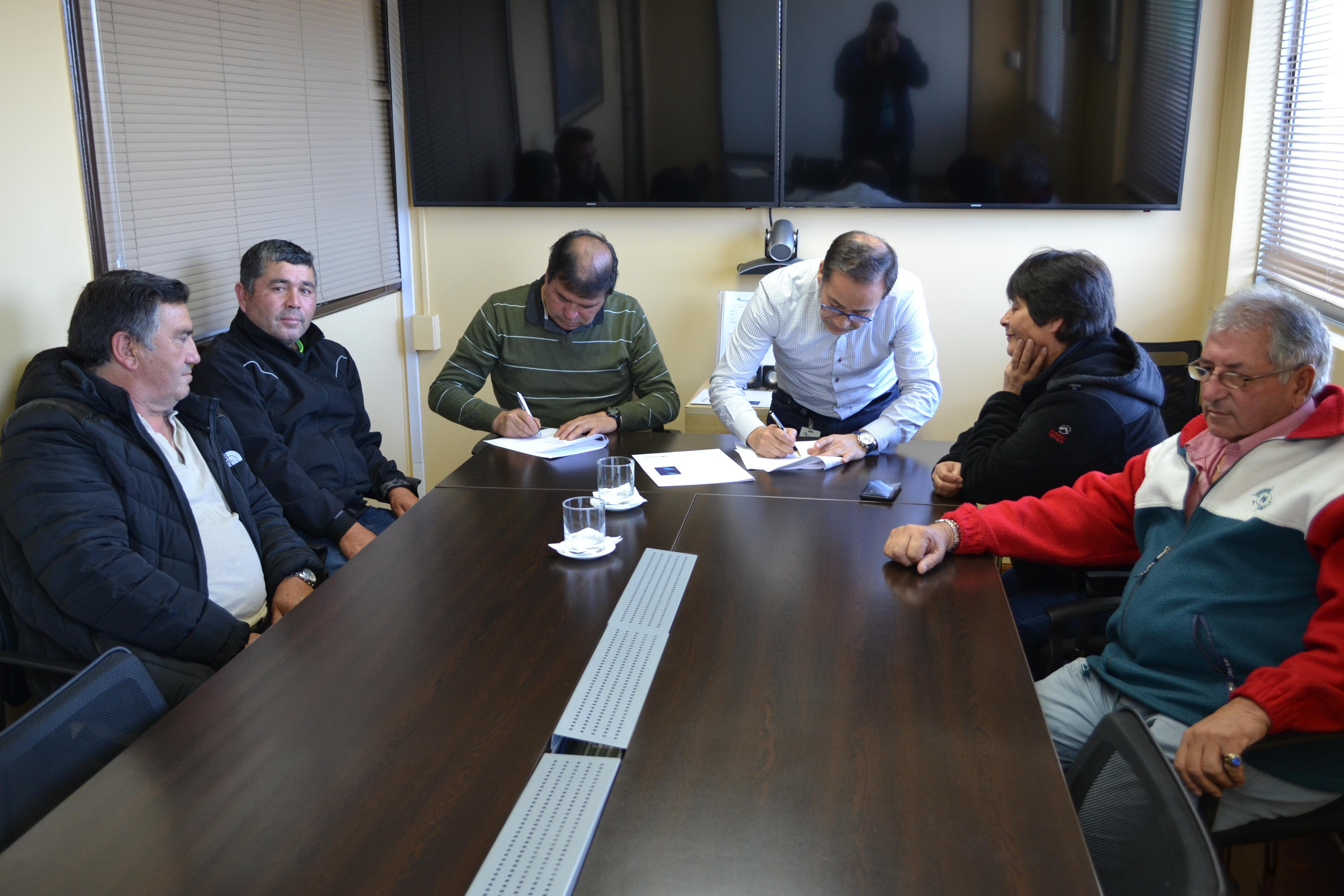 Guacolda y Sindicatos de Pesca de Huasco renuevan convenio de colaboración