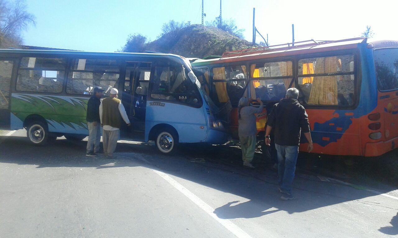 Gobernadora lamenta los hechos ocurridos en accidente de mini buses en la ruta C-46 Vallenar - Huasco