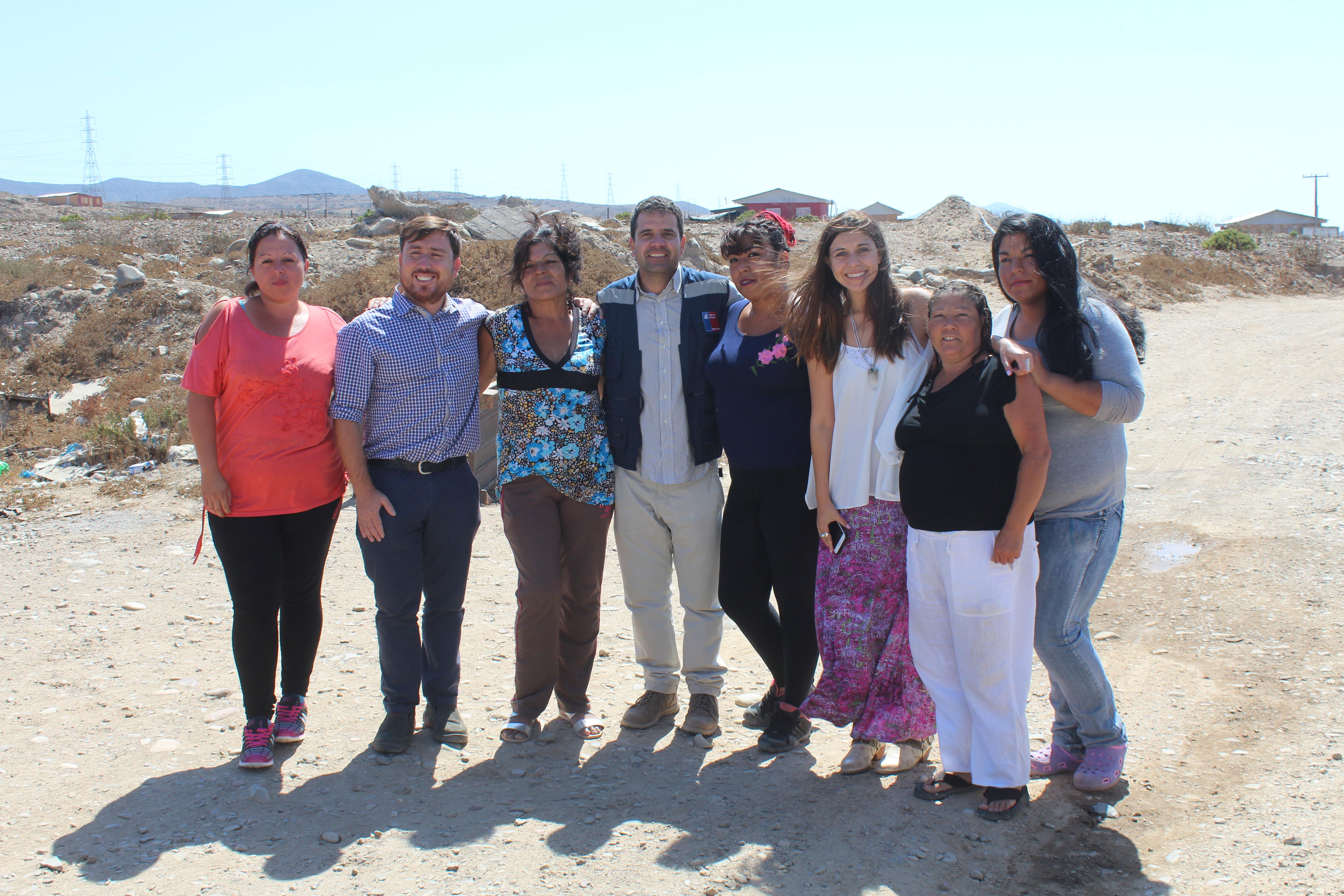 Autoridades llegaron a campamentos de Huasco para entregar detalles del proceso de electrificación