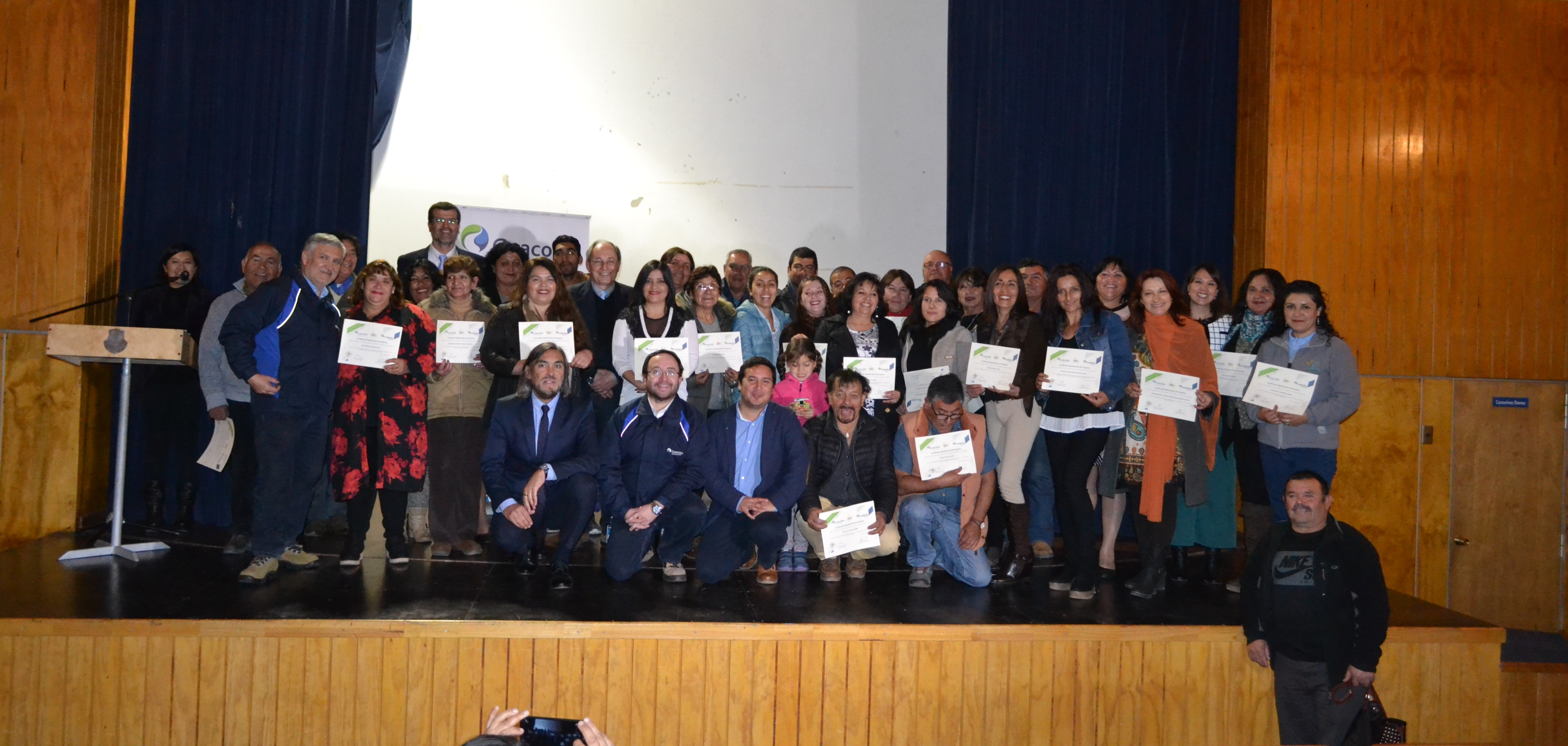 Realizan ceremonia de certificación para los 33 ganadores de los fondos concursables