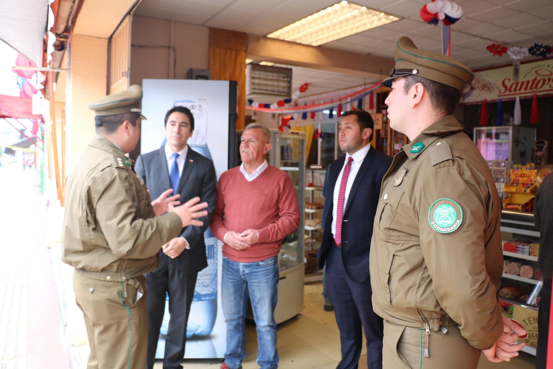 Gobierno coordina acciones con carabineros para servicios policiales en el comercio de Vallenar
