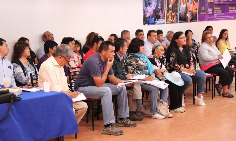 Decenas de dirigentes sociales de Alto del Carmen se capacitaron para postular a fondos de la Seremi de Gobierno
