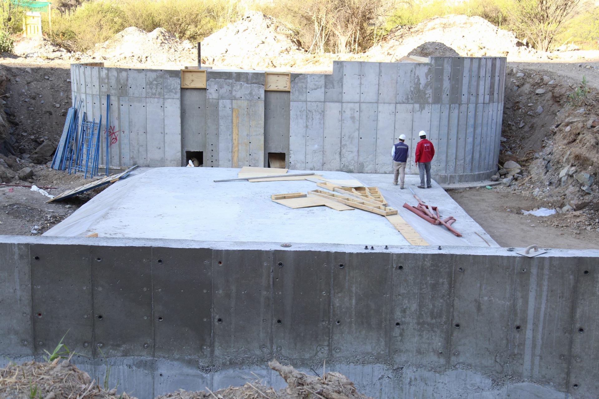 Nueva estación fluviométrica El Maitén en el río Huasco lleva un 85% de avance